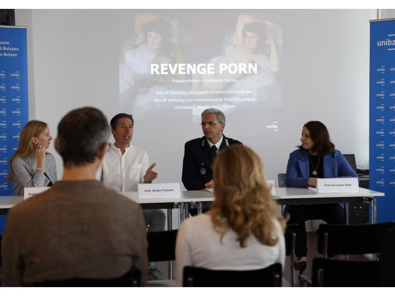 """Trust me, it's just for me."" Interdisciplinary research project on revenge porn"